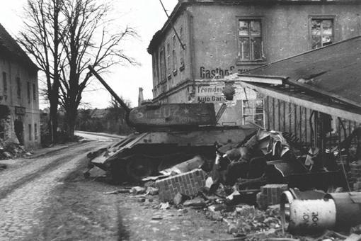 劳班坦克战经过是怎样的?劳班坦克战苏军为何战败?