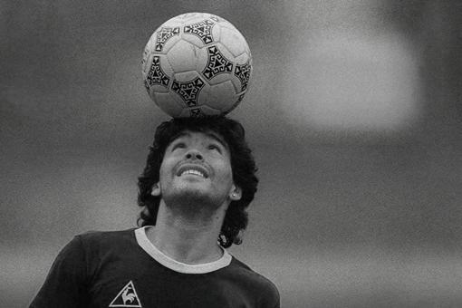 球王马拉多纳去世享年60岁