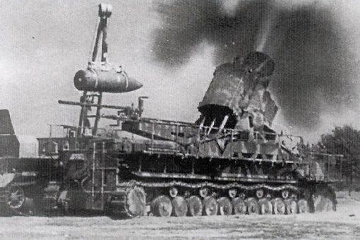 卡尔自行臼炮口径多少?卡尔自行臼炮怎么发射炮弹的?