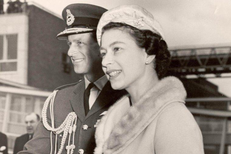 伊丽莎白二世年轻时的图片 一组反应了伊丽莎白二世一生的照片