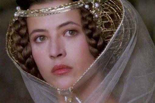 伊莎贝拉王后有多狠 伊莎贝拉是如何稳固自己的地位的