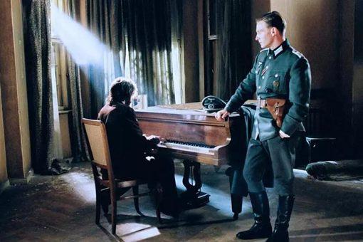 钢琴师最后那个军官历史原