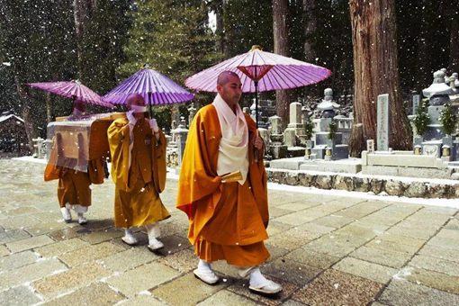 日本僧侣的男色行为为何正
