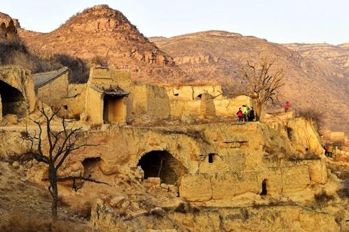 黄土高原特有的传统民居是什么