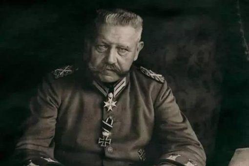 希特勒为何敬重兴登堡 兴