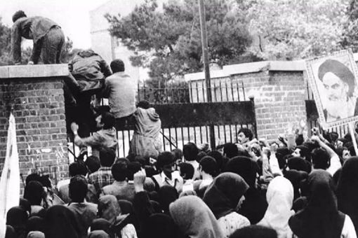伊朗人质危机是怎么一回事 美国为何没因此攻击伊朗
