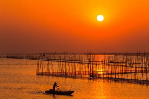 渔舟唱晚的详细意境和意思是什么 渔舟唱晚天气预报曲创作