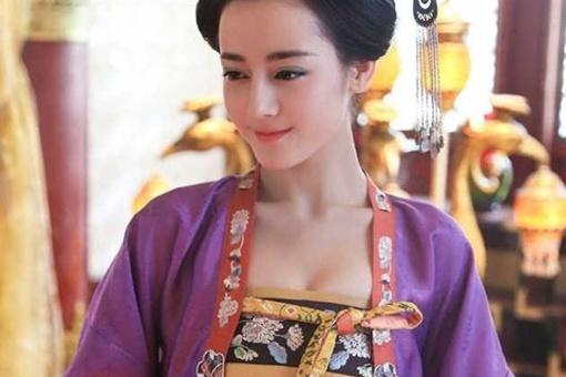 唐朝女人为什么都喜欢坦胸露乳