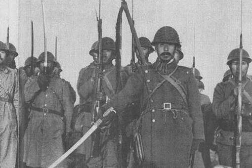 历史上日本军官什么军衔才能有指挥刀