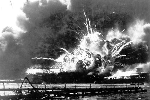 二战中日本如果不搞其它的只配合德国进攻苏联会有什么样的