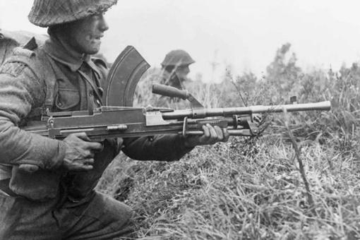 为何印度还在大量装备二战时期的布伦式轻机枪?