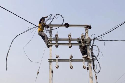印度人真的偷电很疯狂吗?政府为何不管?