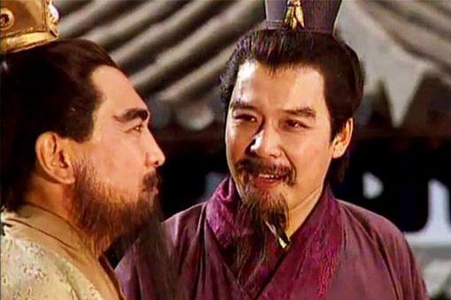 曹操为何没有借天子之名罢免刘备的官职呢