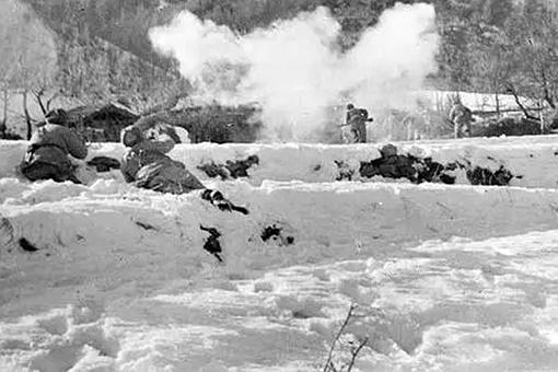 长津湖战役中美军的史密斯为何要向冰雕连脱帽致敬?