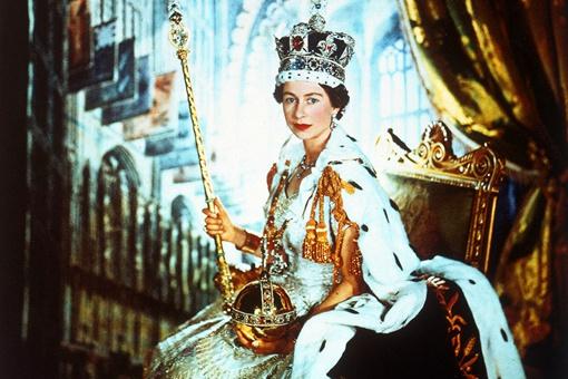 英国女王喝人血是怎么回事 英国王室真的存在食人肉喝人血吗