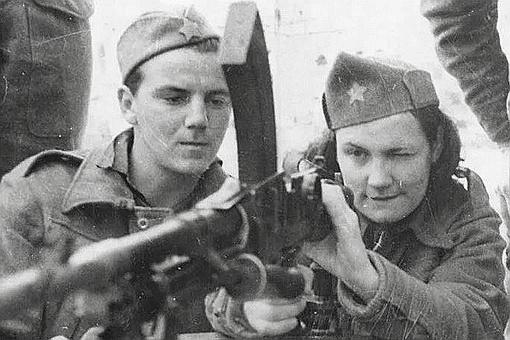 南斯拉夫游击队很多人赞美,但是法国的为何很多人谩骂?
